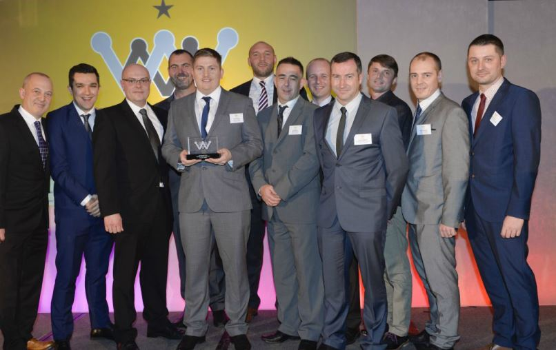 Ashley Maile presents Maintenance Team Award