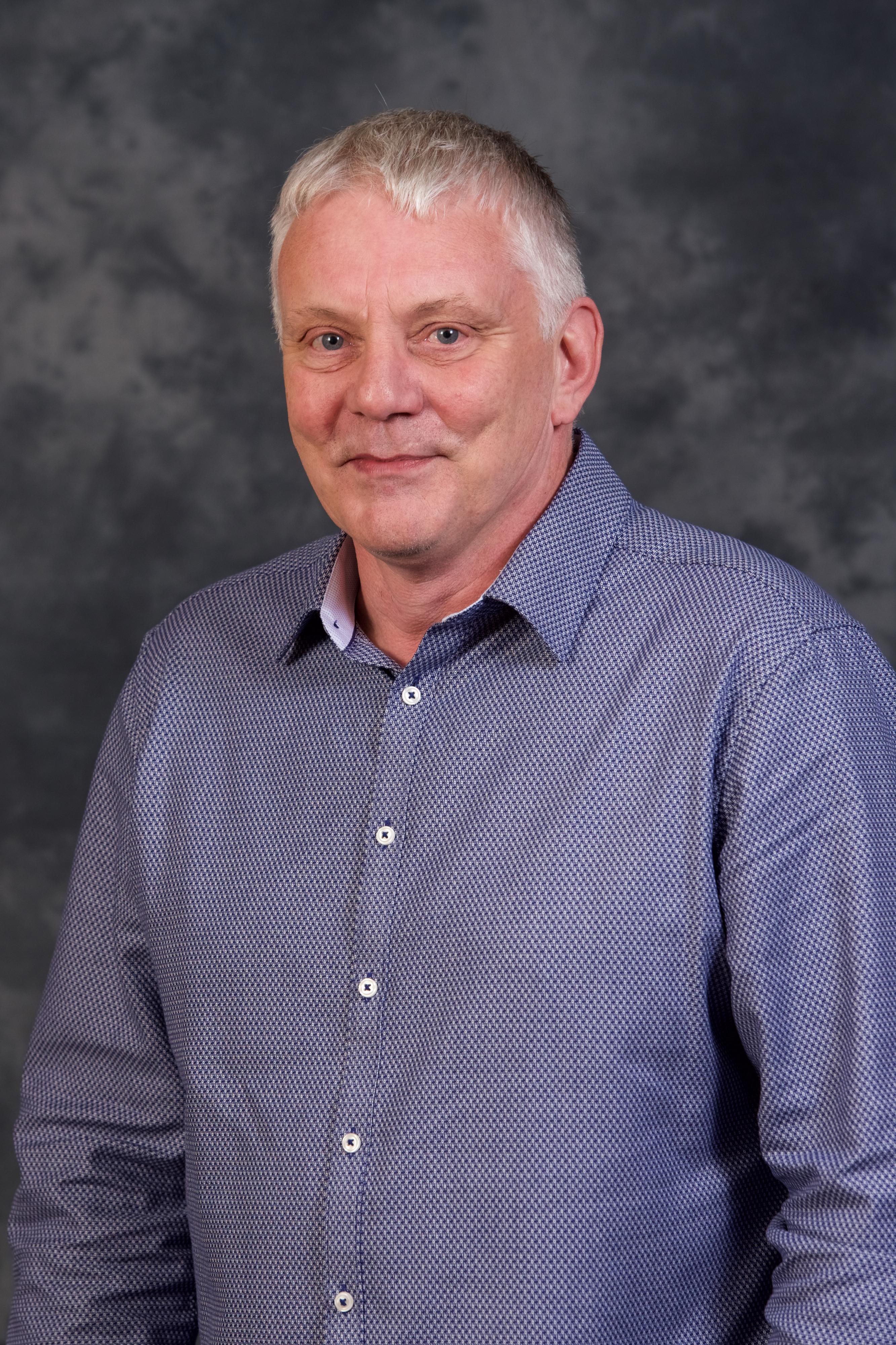 Steve Wiles (2)